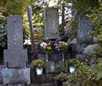近藤勇の墓。竜源寺は近藤家の菩提寺です。